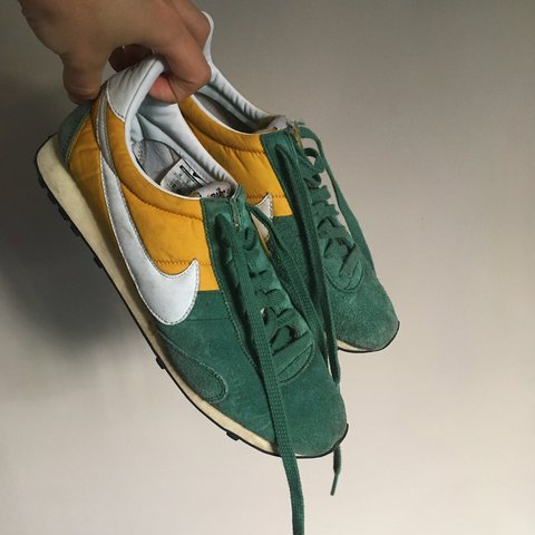 c950369214f Super Rare   Vintage Nike trainers. Similar to Oregon Waffle - Depop