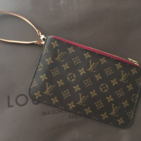 6019b6891a5e1 Louis Vuitton Neverfull MM Pochette! Excellent  neverfull - Depop