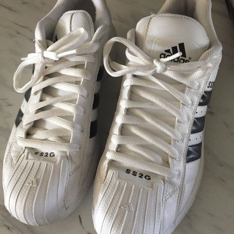 144a9b2c7cc7 price lowered!!!!adidas ss2g superstar shoes! only worn like - Depop