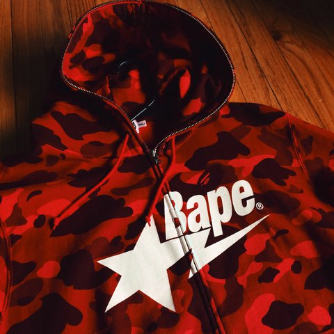 80a21657a243 Bape Red Camo star hoodie. amazing condition
