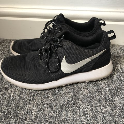 79822eed327a Nike Roshe Run Black and White Running Trainers women s size - Depop