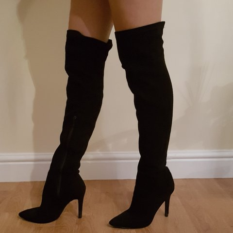 357818cc6e28f BLACK THIGH HIGH SUEDE BOOTS - SIZE 5 - PERFECT FOR NIGHTS - Depop