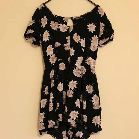 52dfb4d3b90 New Look black floral playsuit. This playsuit is incredibly - Depop