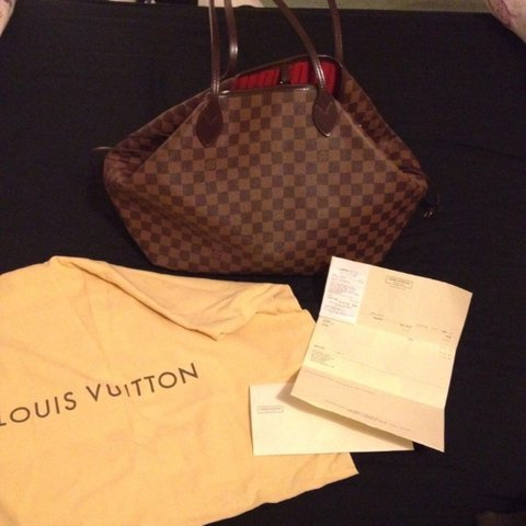 2777c193dcb8 Authentic Louis Vuitton Neverfall GM Handbag.. Used but in i - Depop