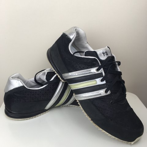 7418a3bd4dc9 YOHJI YAMAMOTO Y3 Adidas shoes. Size 9 and in good 100% y3