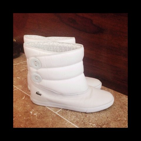 f6bc258cb6ee STILL AVAILABLE!!!!Genuine Lacoste 🐊 size 7 off white ankle - Depop
