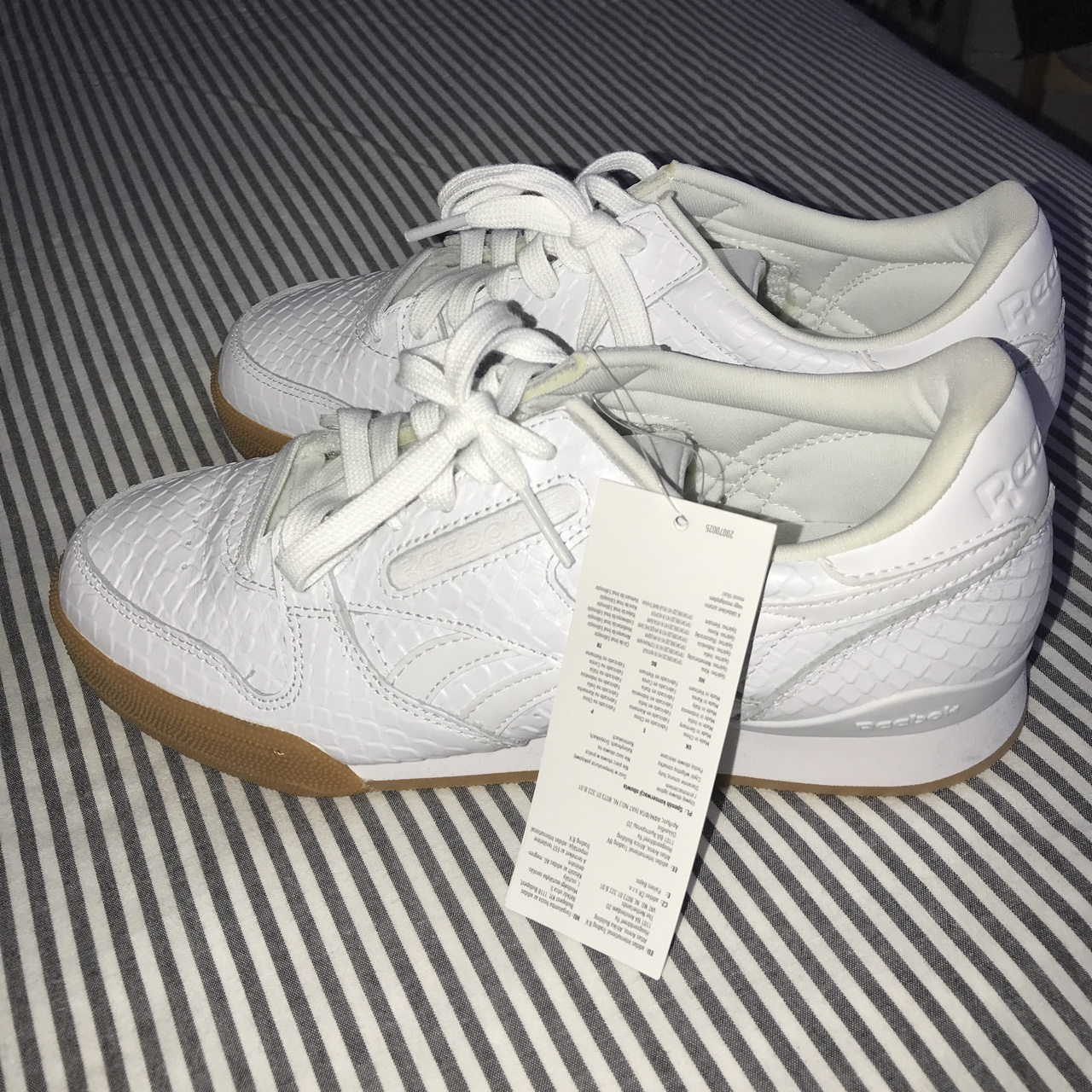 Reebok classic phase 1 pro trainers in