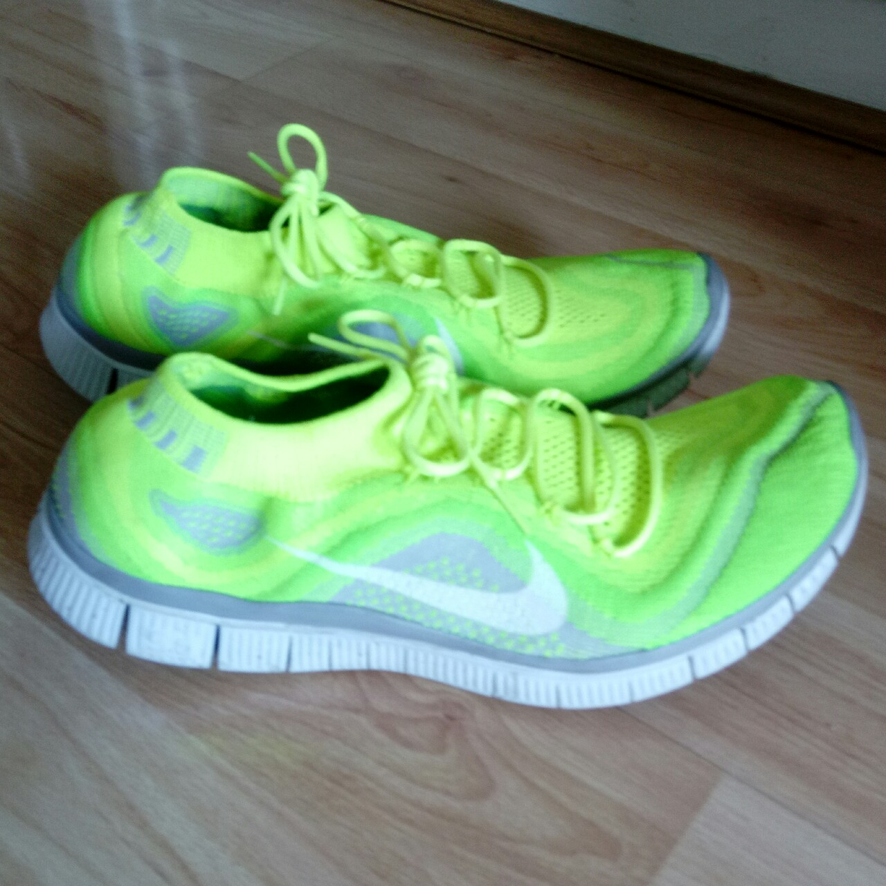 cheap for discount 4e058 04cb9 Nike Free Run 5.0 • Size 10 • RRP £130 My Price £35... - Depop