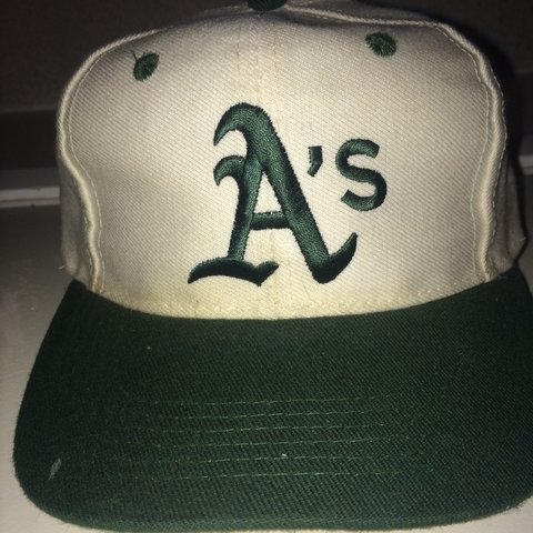 803c30e72be5e Vintage Oakland A s Rookie League SnapBack (pro youth) - Depop