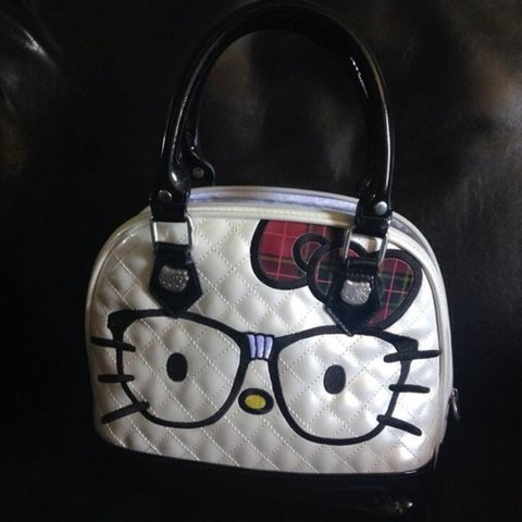 f9d0297b735b Hello Kitty Nerd Dome Purse. Used once or twice but still in - Depop