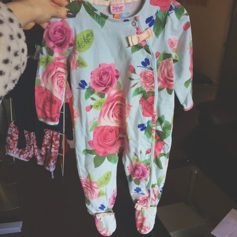 3d1cf5570 Baker by Ted Baker baby girls sleepsuit 9-12 months. Just as - Depop