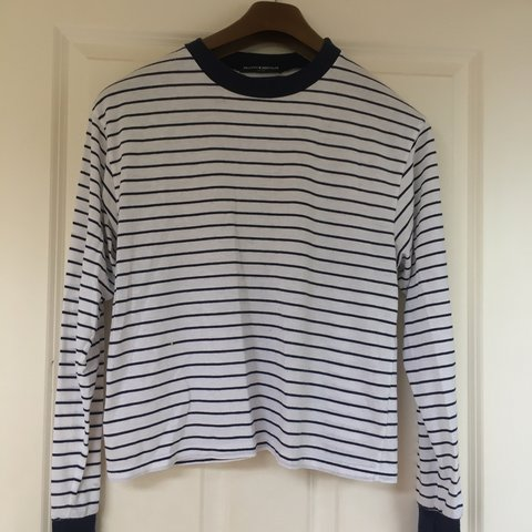 c467994670 @sburke2479. 9 months ago. Southwell, United Kingdom. Brandy Melville horizontal  striped navy and white long sleeve ...