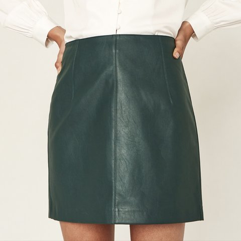 a954bd9b8 @sian1507. 3 months ago. Harlow, United Kingdom. Oasis Green Leather Skirt