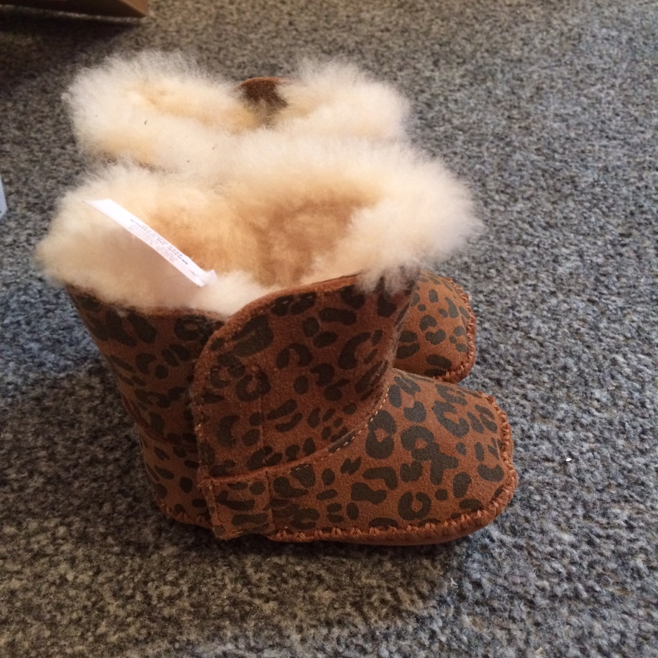 Baby girls leopard print ugg boots age