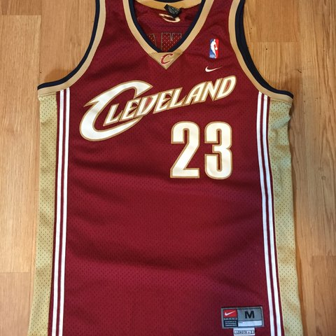 3314b78c95c2 Nike lebron james cavs jersey. Washed twice but still has a - Depop