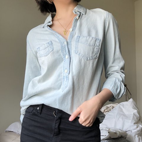 ea538948b83 J.Crew chambray half button-down. Perfectly business casual - Depop