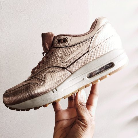 wholesale dealer c6f08 2c10b  ariscloset. 3 years ago. London, United Kingdom. Nike Air Max 1 Metallic  ...