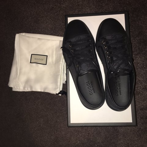4b7e599e721 Mens black Gucci trainers BRAND NEW never been worn. Comes - Depop