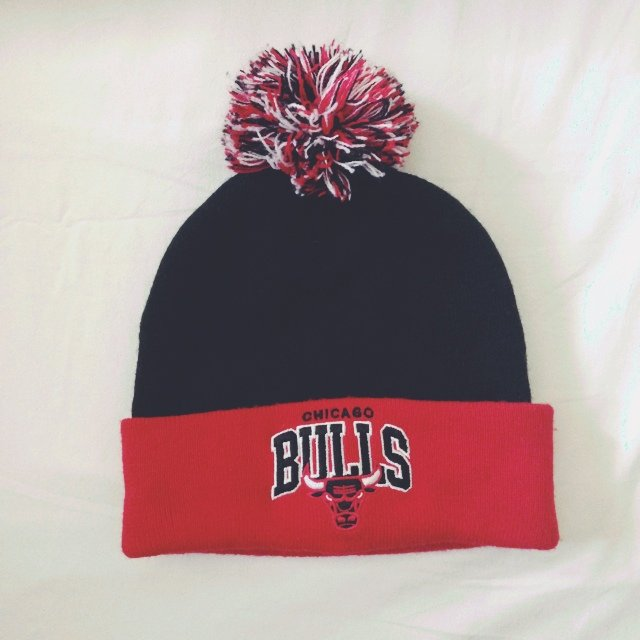 Mitchell   Ness Chicago Bulls beanie with Pom Pom. Kept me a - Depop c40f80a8f41