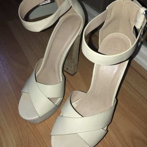 0b92934bf7a Heeled Sandals Size 5 ASOS Worn Once Condition is like to - Depop