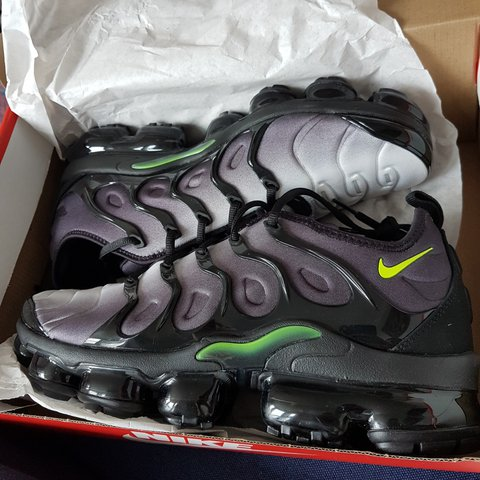121add3e495 BRAND NEW Size 9.5UK Vapormax Plus  Volt      Green Fit to - Depop