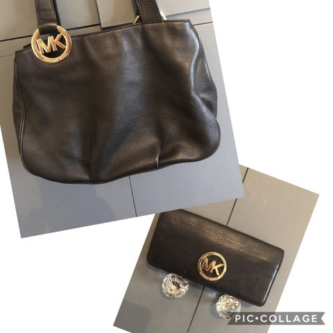 8ae1cfbd1001 🌸Weekend Offer Only🌸I'm selling one of many Michael Kors a - Depop
