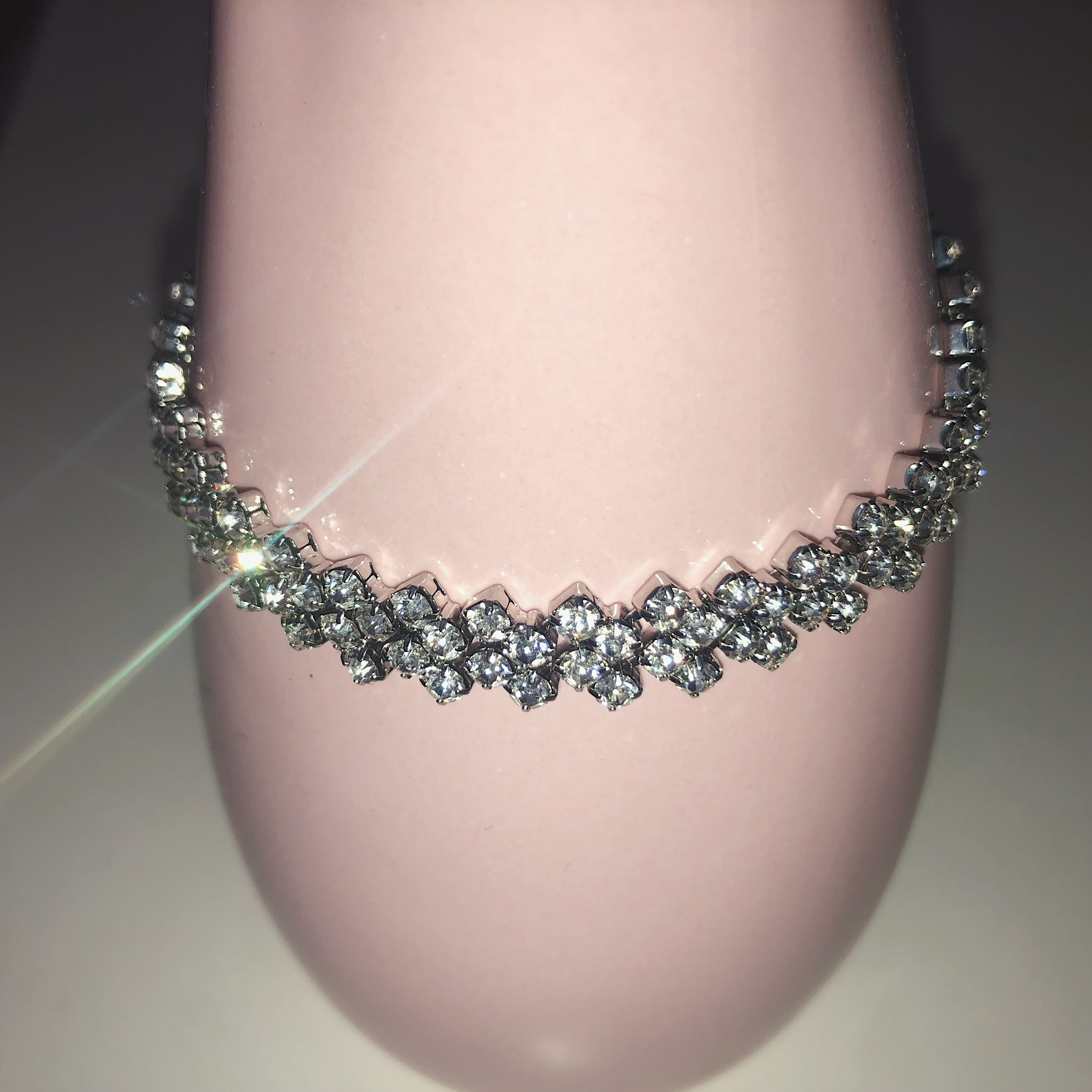 (fake) diamond bracelet selling cuz it's a little    - Depop