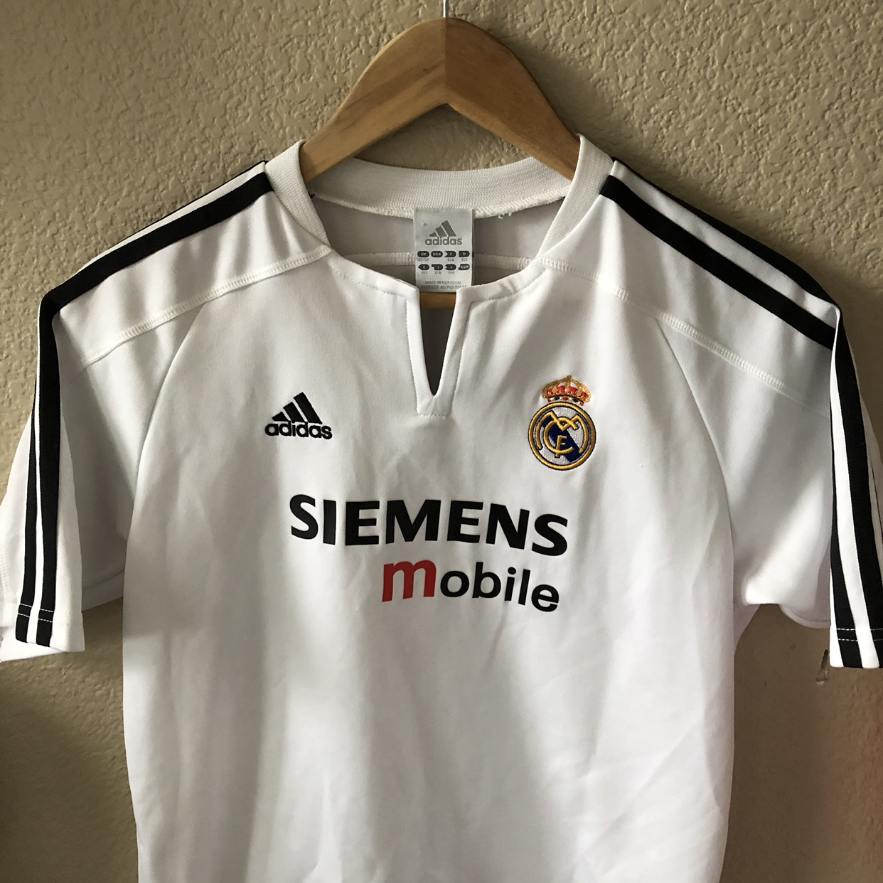 wholesale dealer a4229 d6271 Vintage youth David Beckham Real Madrid Jersey. Has ...