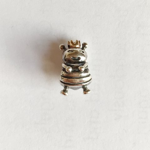 88f9fc6f3 @rebeccadicello. 2 years ago. Sheffield, United Kingdom. GENUINE Pandora 'queen  bee' charm. Sterling silver & 14ct ...