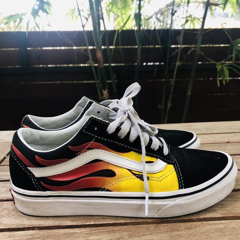 8a19ca8fd8 FLAME OLD SKOOL VANS SIZE 5.5 MENS  7 WOMENS  vans  kicks - Depop