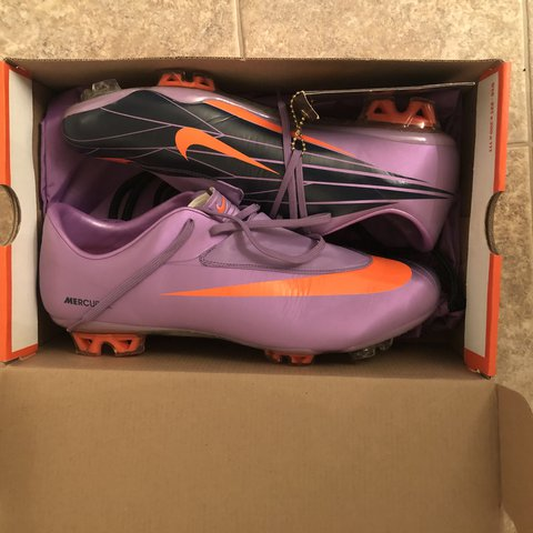 182e03291 Up for sale I have a pair of Nike Mercurial Vapor VI (6) in - Depop