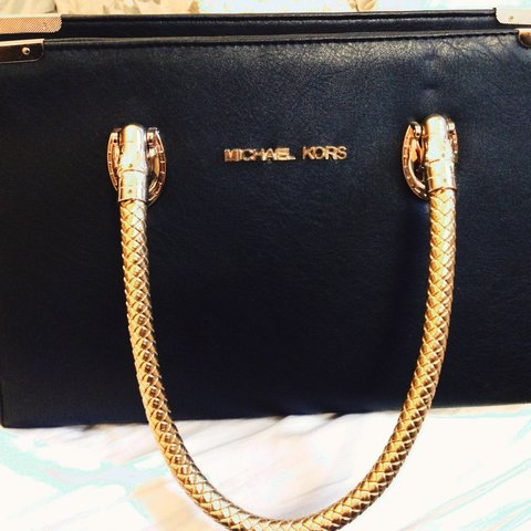 1589da8660a76d REPLICA MICHAEL KORS BAG ~ Made from 100% real leather, with - Depop
