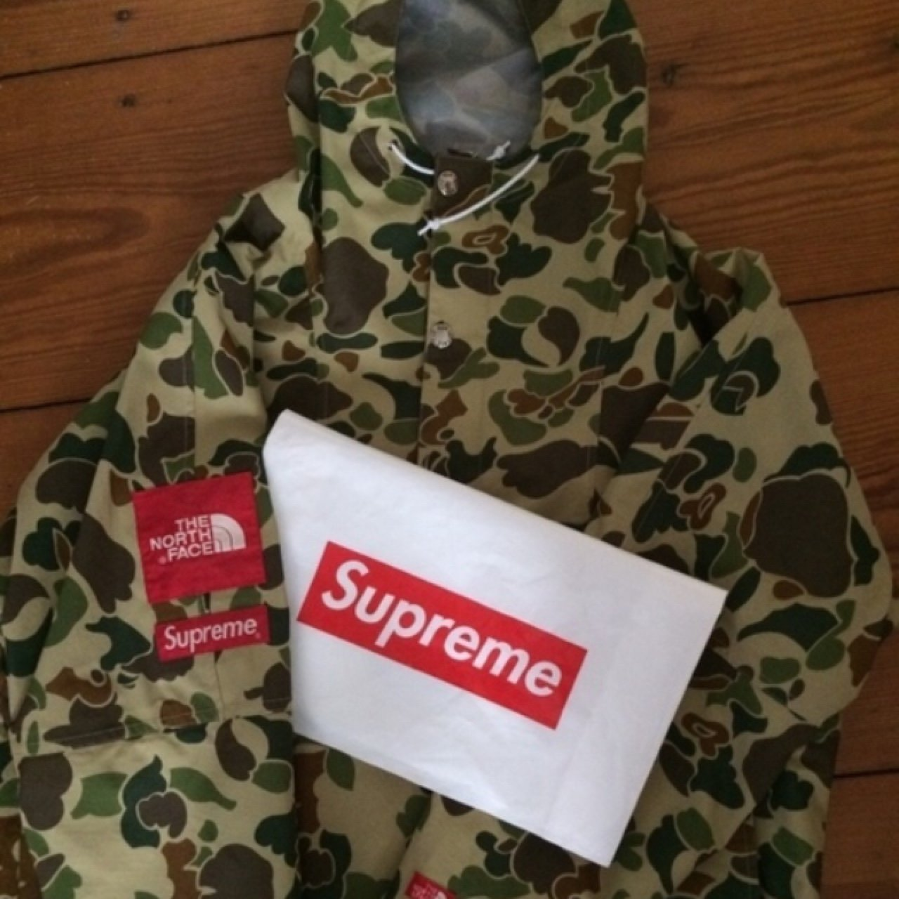 37f7a1f3d5a2d @toyhunter. 3 years ago. Berlin, Deutschland. Supreme x The North Face Duck  Camo Pullover 10/10 offers/trade ss10