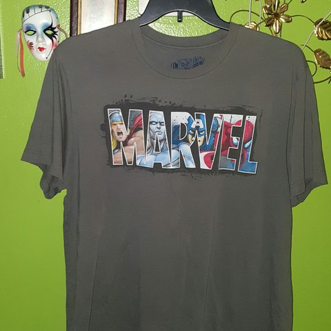 Old Navy Marvel Tshirt Gently Loved Size Xl Unisex Depop