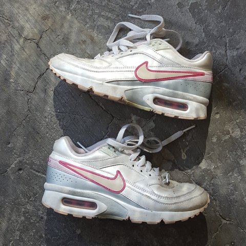 23ee368fff73a Vintage nike air max sneakers. P dirty w some paint on the P - Depop