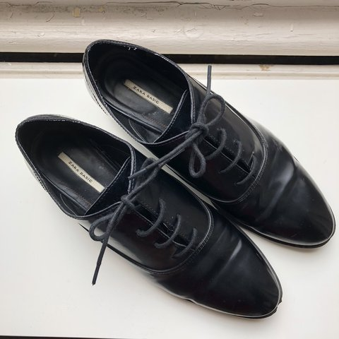 eaa2538503c Beautiful Zara lace up oxford brogues   derby shoes with in - Depop