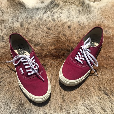 c4be9bef56e5 VANS authentic maroon low tops | worn a couple times | size - Depop