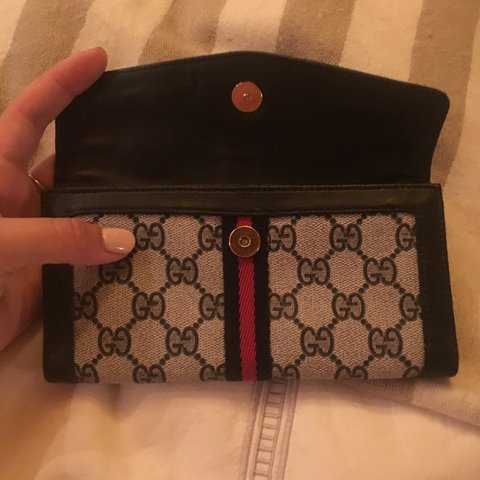 d7c4de7ff695 Amazing vintage authentic #gucci wallet! Seriously the best - Depop