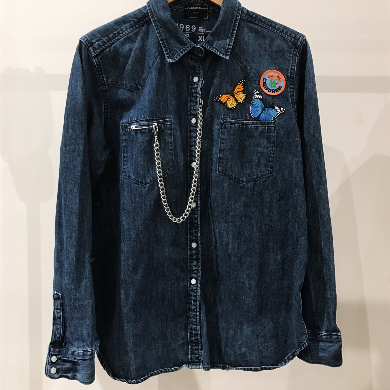 8b1ce5959a2 Custom Gap denim shirt with embroidery patches. Comes with a - Depop