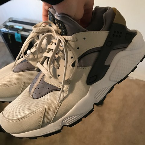 2ad45411c2a6e NIKE AIR HUARACHE - LIGHT ASH GREY BLACK-COOL GREY Worn 5 - Depop