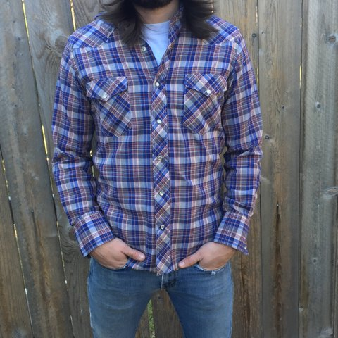 1f6885907a Men s Wrangler pearl snap plaid shirt with an excellent and - Depop