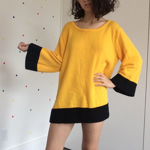 7bb2b3825b0 Color-blocked oversized sweater 💛 so very Charlie Brown and - Depop