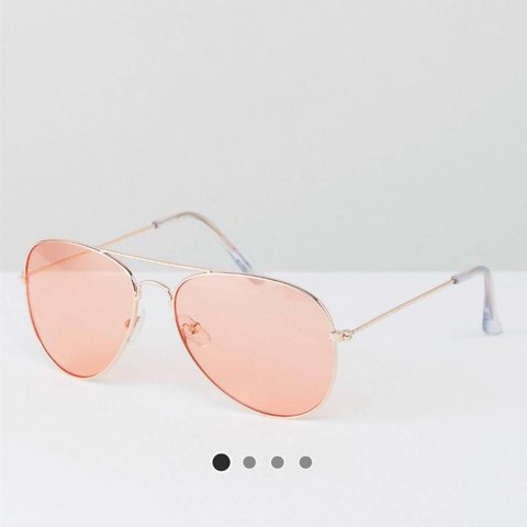 1c090989304de Aviator rose gold sunglasses with pink tint lenses. Jeepers - Depop