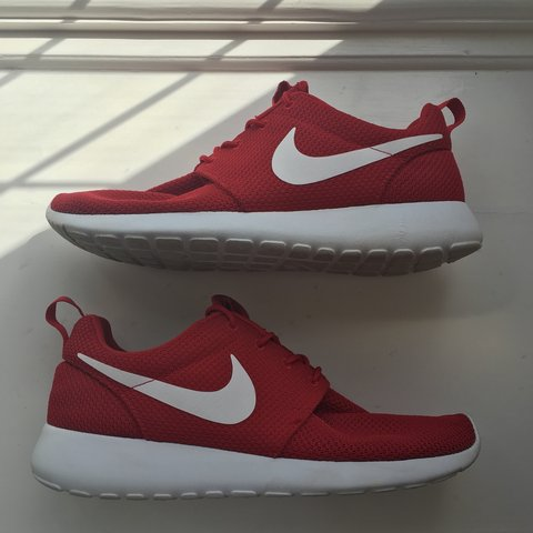 e4dd2d21b907 Nike Roshe Run One Mens UK Size 8. 9 10 Great condition. no - Depop