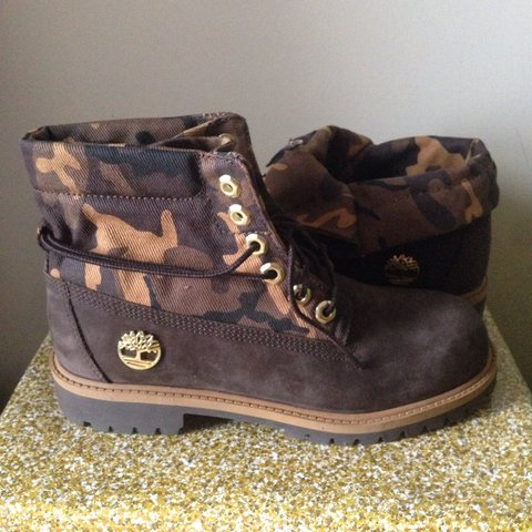 0eb3618451de Timberland Roll Top Boots Brown Camouflage. New. UK 4  ) - Depop