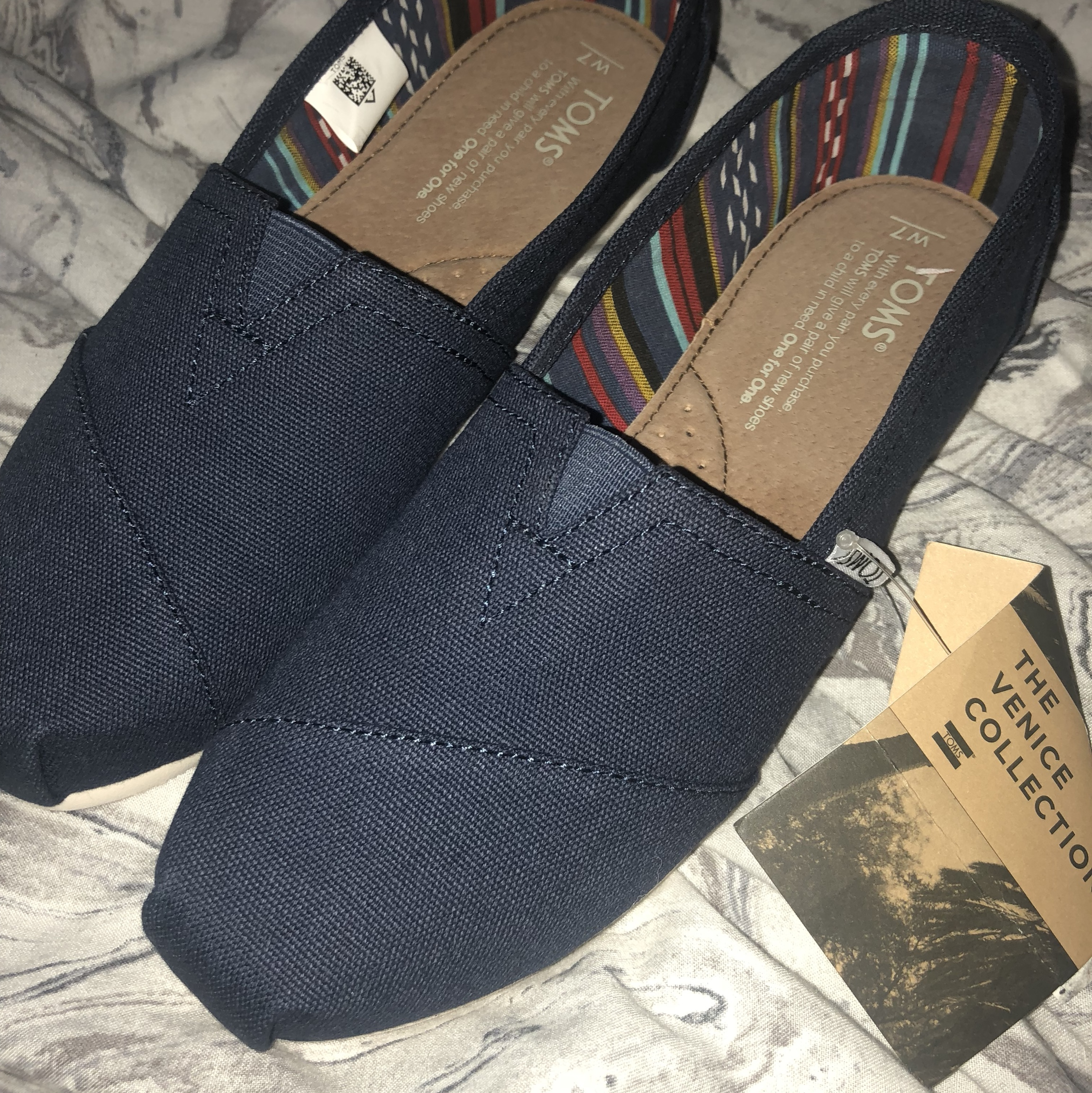 Toms. Size 6z The Venice collection