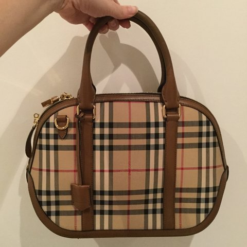 bde96a46695 🍁🍂🍁REPOP🍁🍂🍁100% genuine Burberry Orchard bag in check - Depop