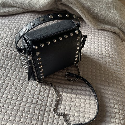 b58fd934d7 ZARA Rock Crossbody Bag 🖤 Used once for a few hours - in x - Depop