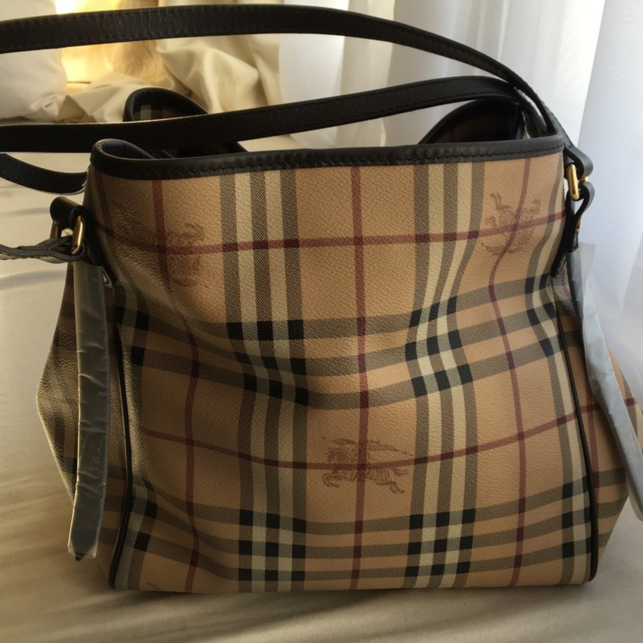 Real authentic Burberry bag with clip in purse! Perfect not - Depop 9bc98330caa39