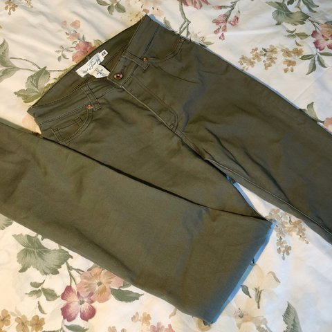 806ce096448af @squuishy. 9 months ago. San Jose, United States. High waisted olive green  super skinny jeans from H&M!